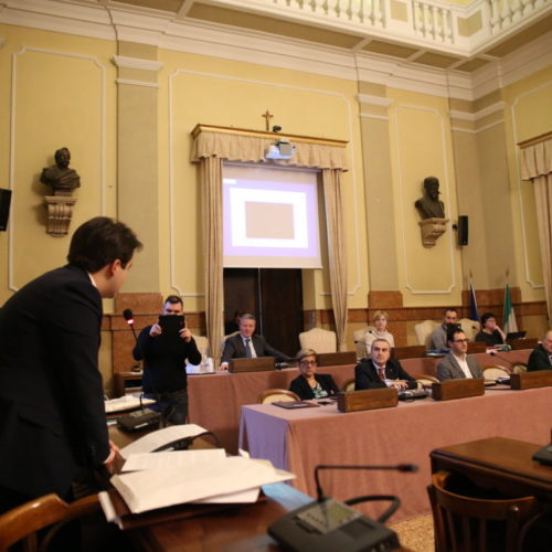 FRAZIONI E PARTECIPAZIONE: LA PROPOSTA DI NICOLAS VACCHI L'idea del Consigliere Nicolas Vacchi (ISV) sulla Partecipazione dei cittadini alle decisioni pubbliche.