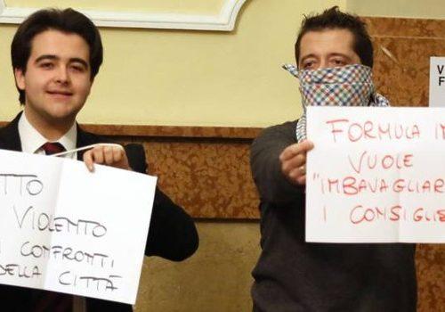"""Imola, caso concerti, bagarre in consiglio """"Nessun bavaglio da Formula Imola"""". Forza Italia, Isv e Movimento 5 Stelle scatenati: «Non c'è trasparenza». La maggioranza difende la società"""